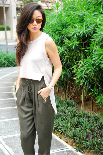 H&M top - Mango shoes - Warby Parker sunglasses - Zara pants
