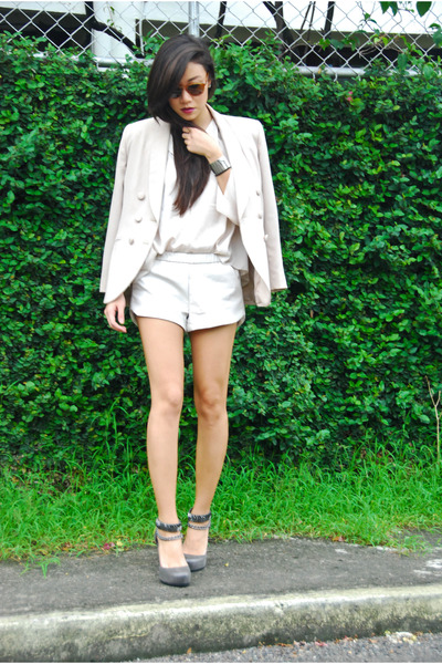 vintage blazer - asos shoes - Zara shorts - Warby Parker sunglasses - H&M top