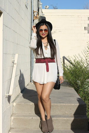 chiffon Suzy Shier blouse - suede Call it Spring boots