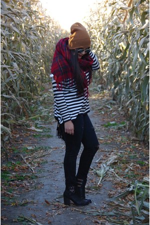 black sweater - ruby red scarf
