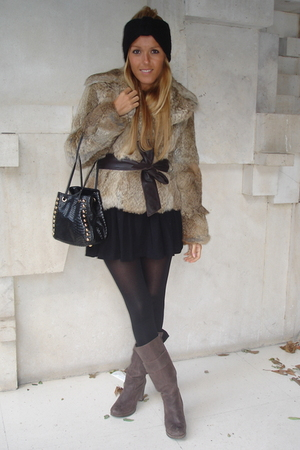 black H&M tights - black H&M hat - brown Zara boots - brown Mango coat - black D