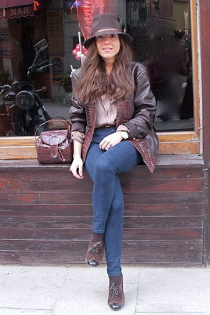 brown Vinatge purse - brown hazel shoes - brown Celine jacket - blue Urban Outfi