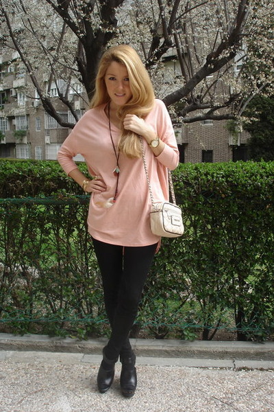 pink H&M top - black Zara shoes - black Zara leggings - beige Bimba & Lola purse