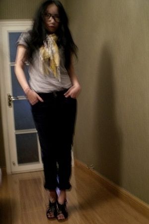 H&M scarf - H&M t-shirt - Gap pants