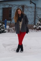 dark gray bag - red pants