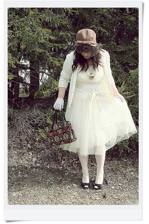 dress - hat - sweater - gloves - shoes - necklace