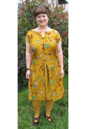 mustard Hawaiian Casuals by Stan Hicks dress - mustard HUE tights