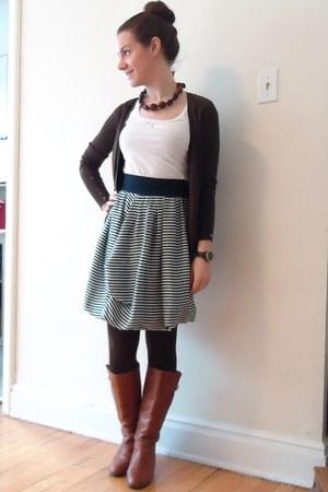 navy H&M skirt - tawny Steve Madden boots - white Smart Set t-shirt