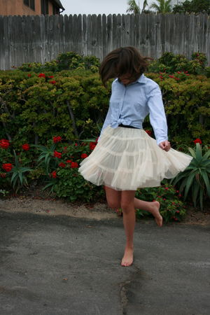 blue GAP Mens shirt - white vintage tulle skirt