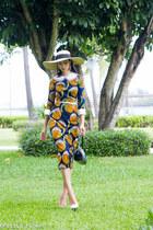 tan wide rim woven Saint Diego Hat Co hat - blue midi printd Stella Jean dress