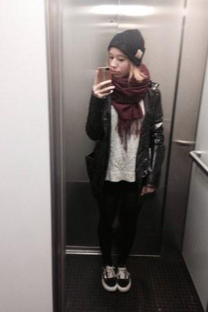 black raincoat coat - black beanie hat - brick red H&M scarf - black sneakers