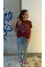 Maroon-converse-shoes-light-blue-ripped-h-m-jeans-cream-chanel-bag