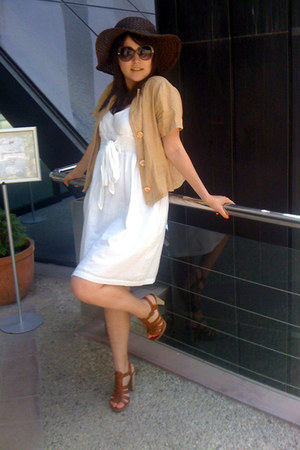 brown Zara heels - white Sprider dress - dark brown NewYorker hat - nude jacket