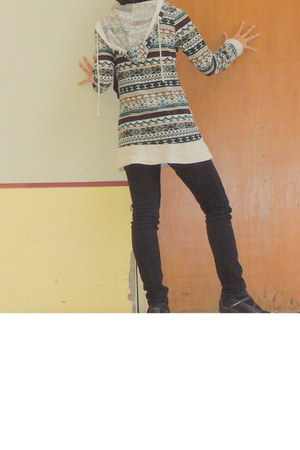 tribal Urban Outfitters hoodie - unknown brand boots - black tights Levis jeans