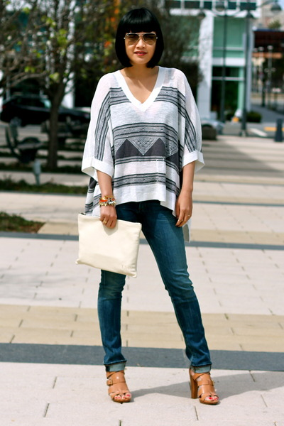 poncho Club Monaco top - citizens of humanity jeans - white Mark and Graham bag