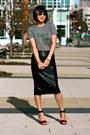 Aviator-ray-ban-sunglasses-red-zara-heels-zara-skirt-gray-madewell-t-shirt