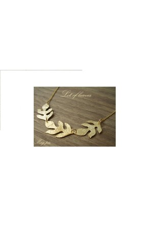 gold leaves Magpie accessories