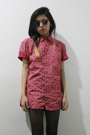 printed Uniqlo shirt