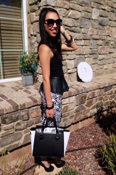 black and white Target bag - oversized retro Vince Camuto sunglasses