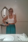White-stradivarius-top-turquoise-blue-zara-skirt-gold-vintage-accessories