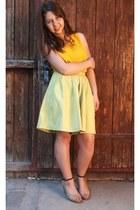 tan shoes - yellow shirt - lime green shorts
