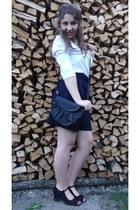 white shirt - navy shorts - black sandals