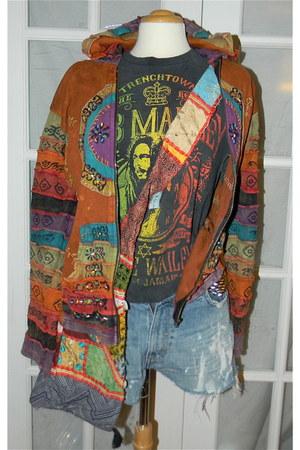 denim vintage shorts - boho unknown bag - fair trade unknown hoodie