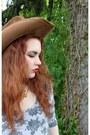 Brown-cowboy-vintage-hat-amethyst-ruffled-vintage-skirt-mustard-vintage-pump