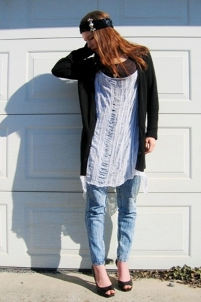 Fruit of the Loom shirt - Gap sweater - Salvation Army jeans - hat - necklace -