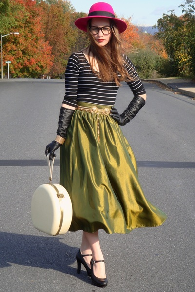 green vintage skirt - black top - black thrifted shoes - black Target gloves - p