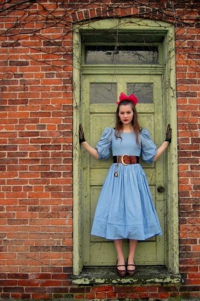 blue vintage dress - brown vintage belt - brown vintage shoes - black vintage gl