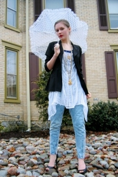 DIY fruit of the loom t-shirt - Salvation Army blazer - Salvation Army jeans - J