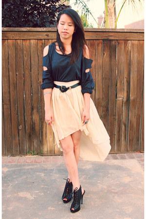 gray Pinkbullet blouse - eggshell Pinkbullet skirt - black Steve Madden heels