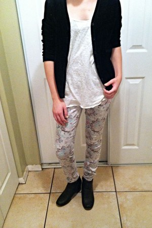 aquamarine floral unknown pants - dark brown ankle Forever 21 boots