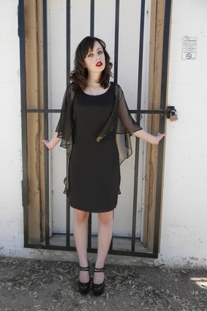 black Sugarlips dress - black spider necklace - black mary jane DSW heels