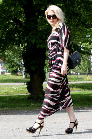 black Steve Madden shoes - black H&M dress - black Chanel bag
