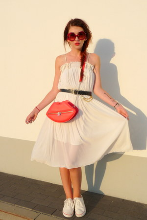 red H&M bag - white second hand dress - black second hand belt
