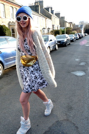 cream Zara cardigan - nude Jeffrey Campbell sneakers