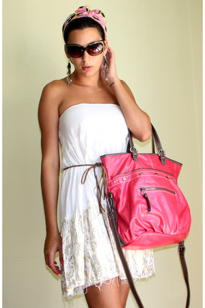 hot pink Nine West bag