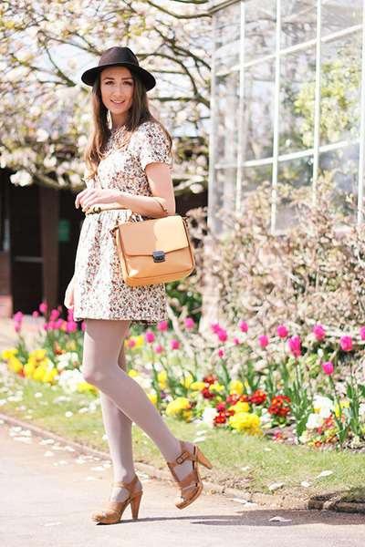 dark brown hat - floral dress River Island dress - nude hat Zara bag
