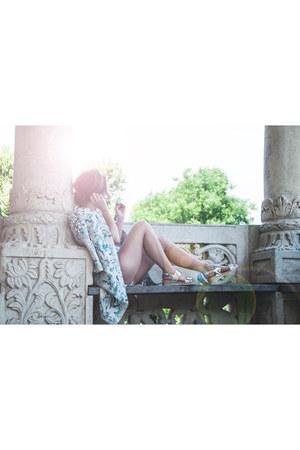 Monsoon jacket - Vero Moda shorts - Zara t-shirt - Stradivarius sandals