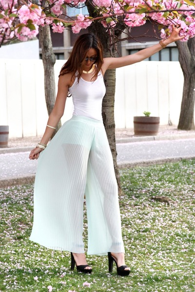 light blue mint Zara pants - white H&amp;M top - black Zara heels