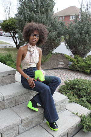 navy 70s high waist jeans - chartreuse purse - chartreuse hm neon green wedges