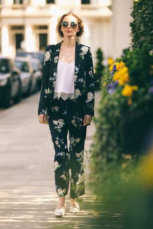 ivory leather Zara shoes - navy flowers Zara jacket - eggshell leather Chloe bag