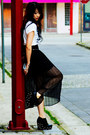 Black-thrifted-skirt-silver-silver-clutch-aldo-purse-black-studded-bcbg-belt