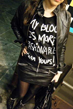 cool shirt - leather skirt
