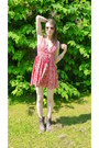 Besson-boots-pink-flowery-h-m-dress-accessorize-sunglasses