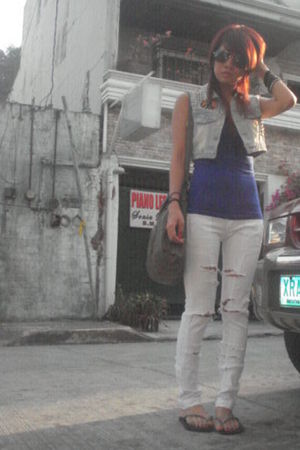 from The Landmark Bazaar top - thrifted vest - Mudd Jeans jeans - Havaianas shoe