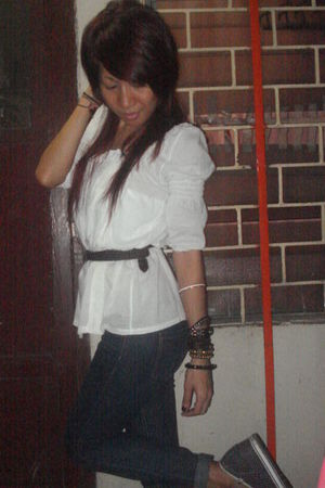 thrifted top - Forever21 jeans - from SM belt - from Quiapo sidewalk vendor acce