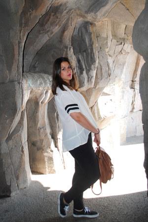 black Primark jeans - white Primark shirt - brown Rastro de Madrid bag